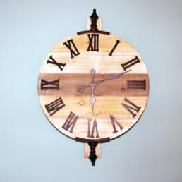 Orologio in ferro e legno orientabile