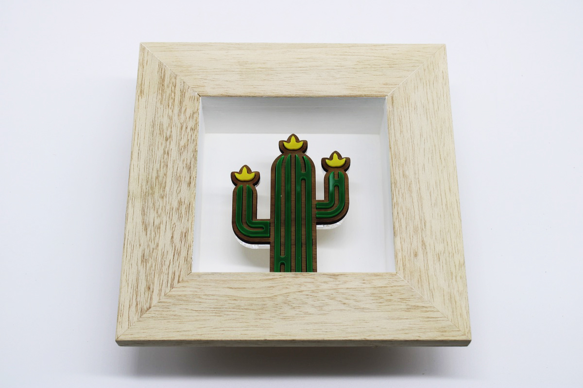 Quadro legno e plex cactus fiorito