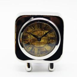 Orologio da tavolo in acciaio