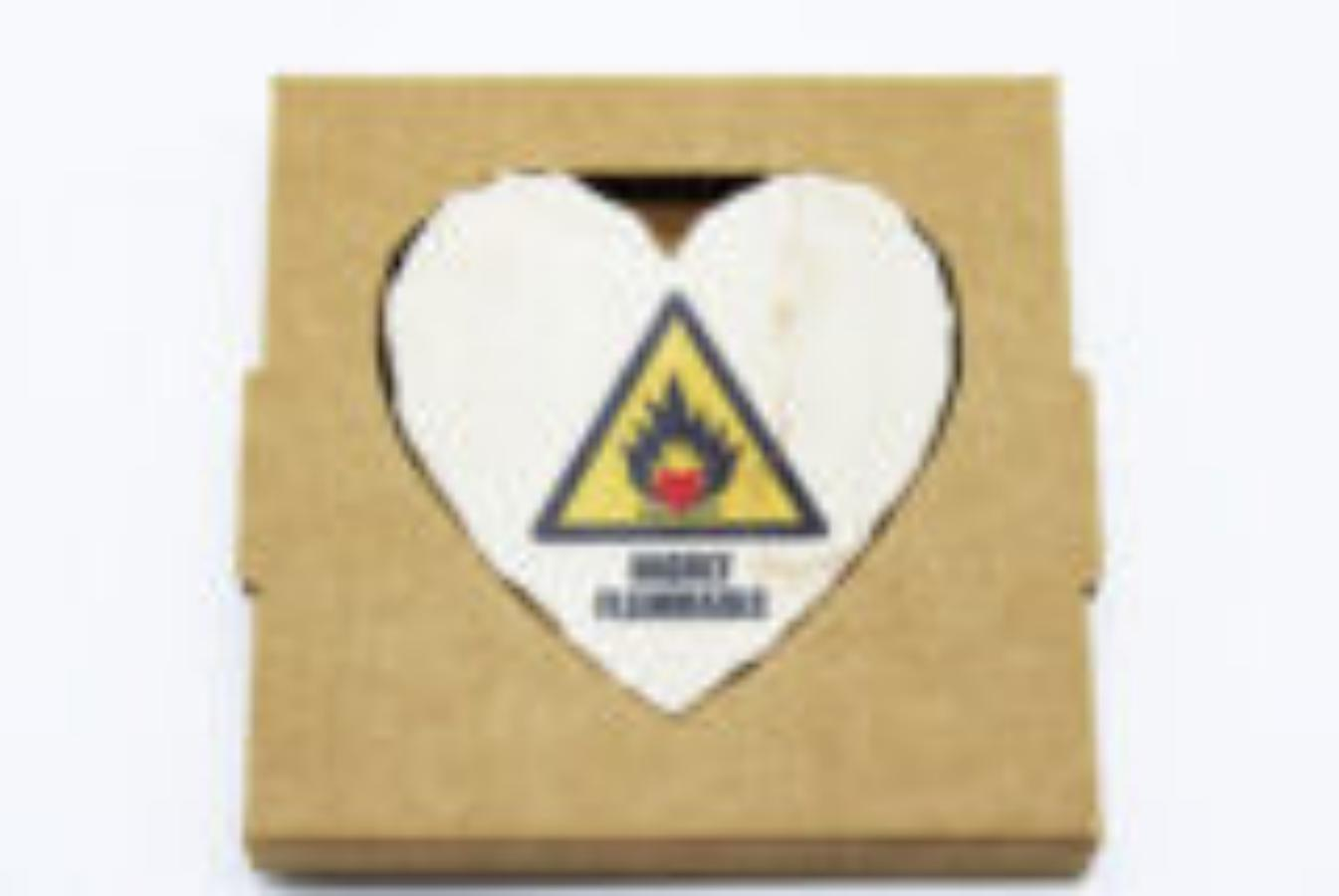 Cuore in pietra HIGHLY FLAMMABLE