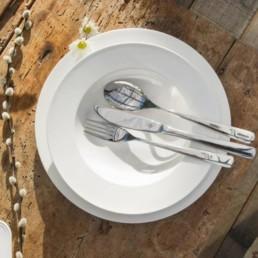 Essenziale Servizio piatti